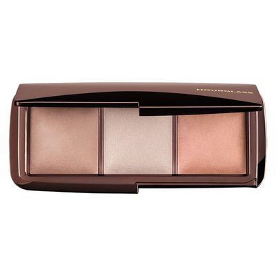 "<p>Face</p> <p><a href=""https://www.mecca.com.au/hourglass/ambient-lighting-palette/I-017068.html?cgpath=brands-hour#start=1"" target=""_blank"" draggable=""false"">Hourglass Ambient Lighting Palette, $90</a></p>"