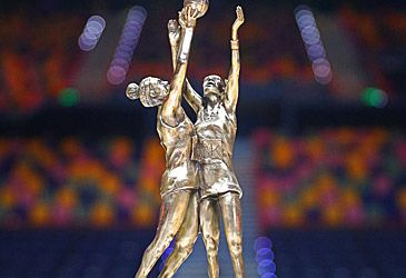 Super Netball trophy (Getty)
