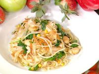 Chicken, egg and vegetable noodles