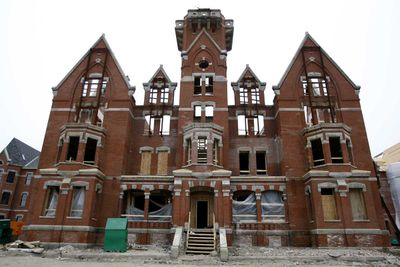 <strong>Session 9 set at Danvers State Hospital in Danvers, Massachusetts</strong>
