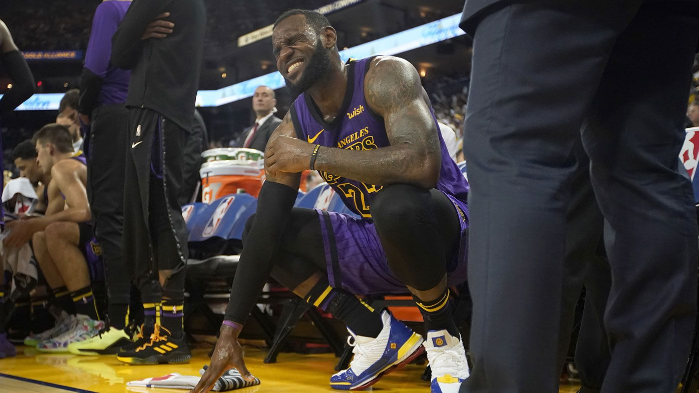 LeBron James injured in Lakers' win over Warriors