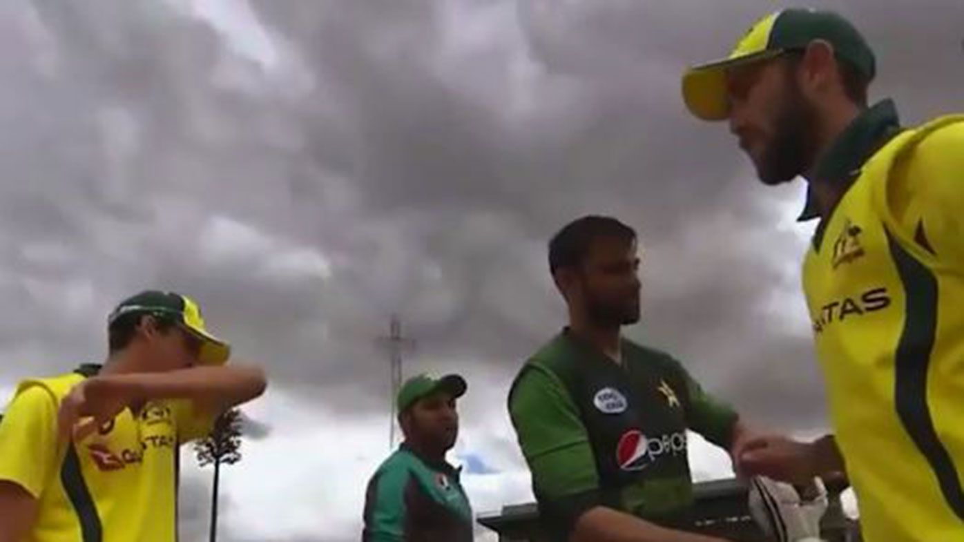 "Glenn Maxwell claims his handshake snubbing of Sarfraz Ahmed was an ""oversight"""