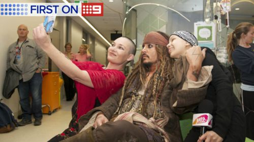 The actor met patients at the Lady Cilento Children's Hospital in Brisbane. (Supplied/Juiced TV)