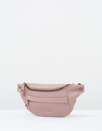 "It's hip to have a bum bag. <br> <br> <a href=""https://www.theiconic.com.au/bailey-hip-bag-528409.html"" target=""_blank"" draggable=""false"">Stitch &amp; Hide Bailey hip bag, $119.95 at The Iconic</a>"