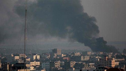 Palestinian civilian shot dead in Gaza roadside clash