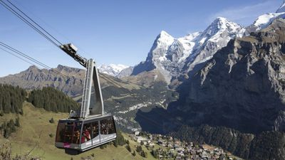 400 flown from James Bond mountain after Swiss cable car breaks down