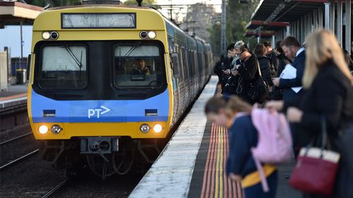 Melbourne train staff gear up for 48-hour strike after 'insulting' pay offer