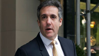 Ex Trump lawyer Michael Cohen 'in plea deal talks'