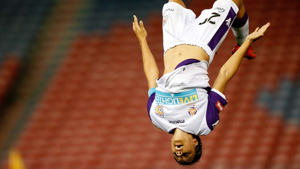 Sam Kerr scores hat-trick in Perth Glory's W-League draw with Newcastle