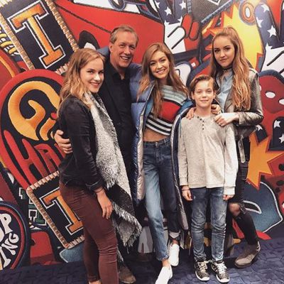 <p>Joann van den Herik with cousin Gigi Hadid and other van den Herik family members at Tommy Hilfiger's A/W'17 show</p>