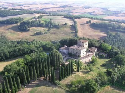 "<a href=""https://www.airbnb.com.au/rooms/10538040"" target=""_blank"">Aristocratic UNESCO stay in Tuscany</a>"