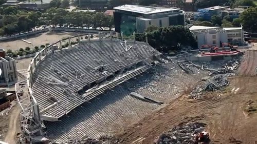 The total budget for knocking down and rebuilding Allianz Stadium at Moore Park is $729 million.