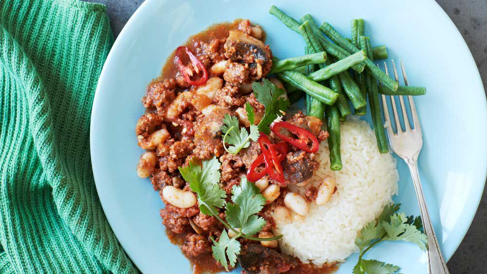 Portuguese minced lamb with white beans