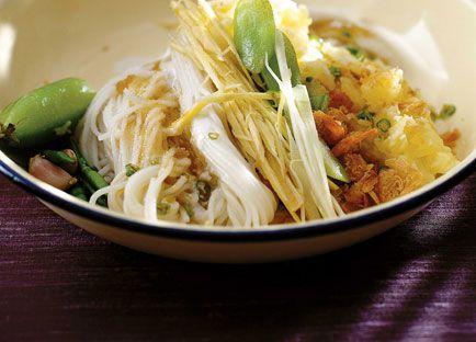David Thompson: Pineapple and dried prawns with kanom jin noodles (Kanom jin sao nahm)