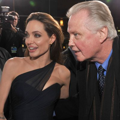 Angelina Jolie vs. Jon Voight<em></em>