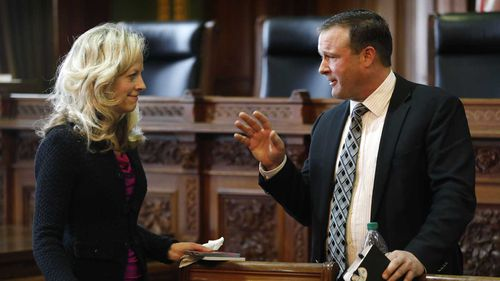 Iowa Senate Minority Leader Janet Petersen, left, talks with Senate Majority Leader Bill Dix. (AP)