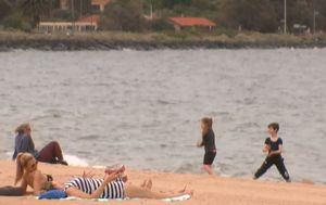 Hundreds of Victorians admitted to emergency departments for severe sunburn