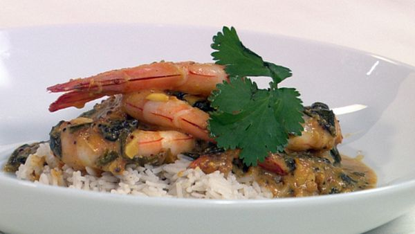 Prawn, spinach and tomato curry