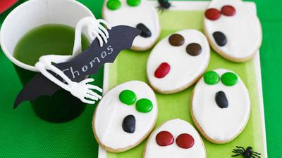 "Recipe:&nbsp;<a href=""http://kitchen.nine.com.au/2016/05/16/20/09/screaming-ghostly-biscuits"" target=""_top"">Screaming ghostly biscuits</a>"