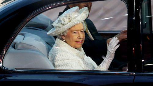 Queen Elizabeth II arrives to open the Commonwealth Games. (Getty)