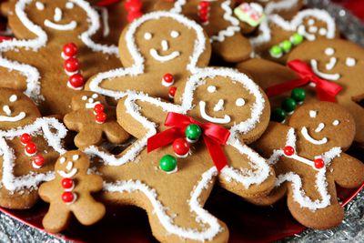 Gingerbread man: 210 calories