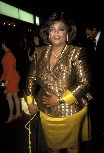 Colour blocking in gold and mustard at the 1992 Daytime Emmy Awards.