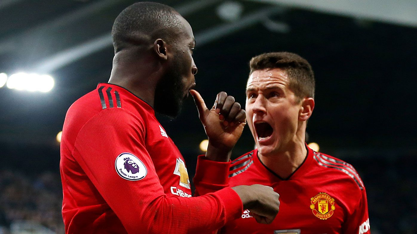 Manchester United beat Newcastle for four wins in a row, Chelsea draw