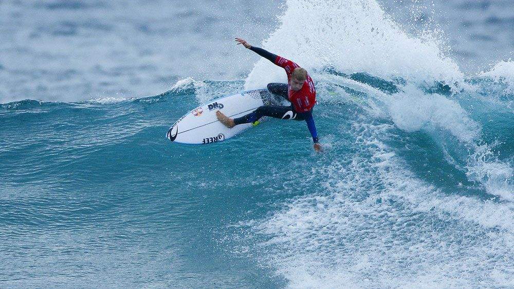 Fanning wins on J-Bay return