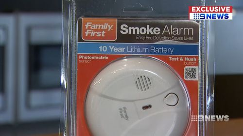 Fire safety experts want ionisation smoke detectors to be banned in WA. Picture: 9NEWS