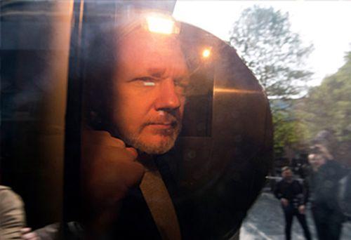 Julian Assange (AAP)