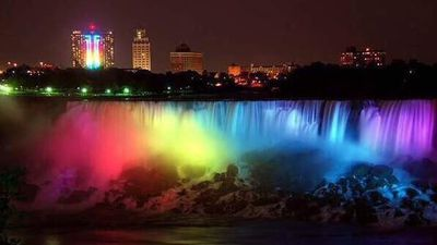 Niagra Falls has been lit up for visitors to celebrate the announcement. (Twitter, @AuskarSurbakti)