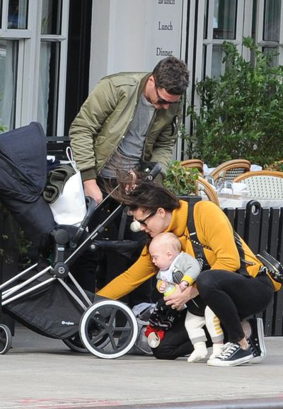 <p>Actress Liv Tyler, here with hubby David Gardner and baby Sailor, are Cybex fans.</p>