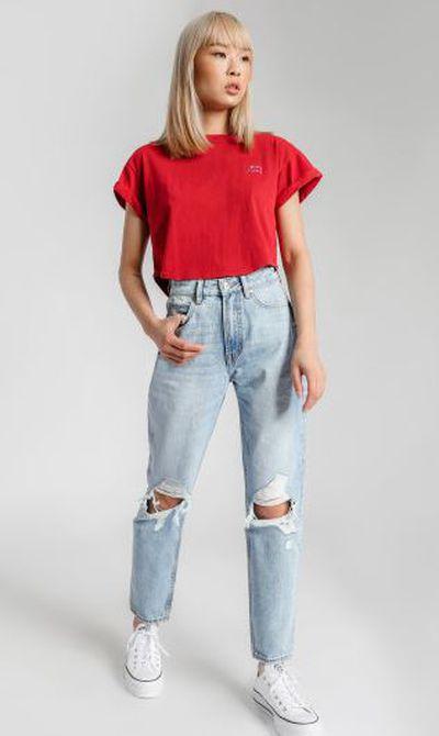 "<a href=""https://www.gluestore.com.au/lee-high-moms-jeans-in-phase-vintage-denim.html"" target=""_blank"" title=""Lee High Moms Jeans in Phase Vintage Denim, $127.46"" draggable=""false"">Lee High Moms Jeans in Phase Vintage Denim, $127.46</a>"