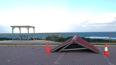 Strong wind gusts caused damage across Perth and the state's South West. (9NEWS)