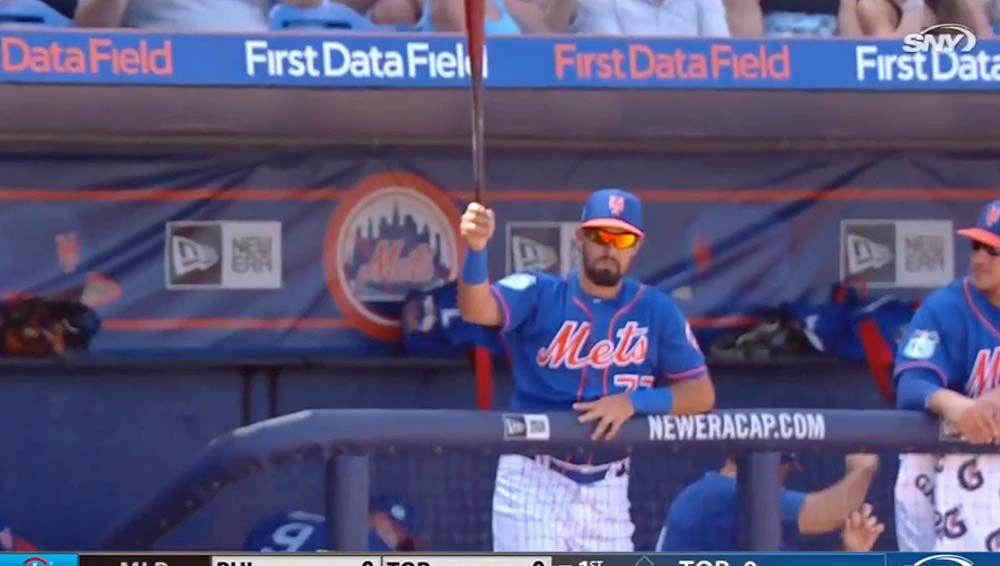 New York Mets baseballer catches a flying bat