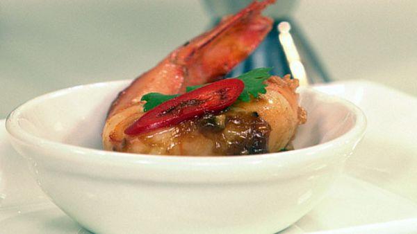 Fried tamarind prawns with cucumber