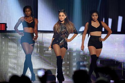Pint-sized pop diva Ariana Grande is set to swoosh her weave with the best of them.