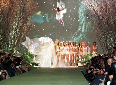 Models walk the finale at the 1999 Victoria's Secret Show