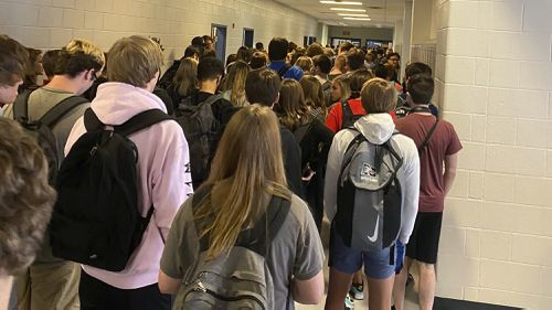 Georgia school in viral photo going virtual tomorrow