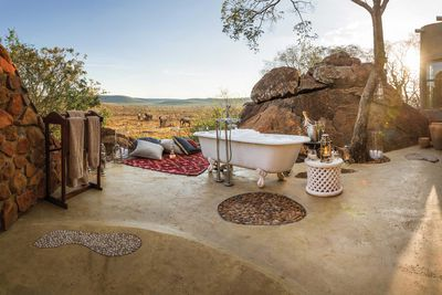 <strong>8 spectacular hotel bathrooms from Africa to Brazil</strong>