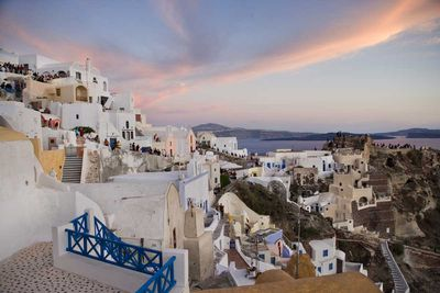 "<strong>Santorini, <a href=""http://elsewhere.nine.com.au/destinations/europe/greece"" target=""_top"">Greece</a></strong>"