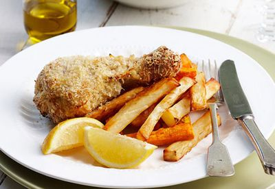 Crispy lemon chicken drumsticks and chips