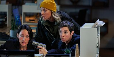 Sue Perkins and Mel Giedroyc play Fran and Jaimie.