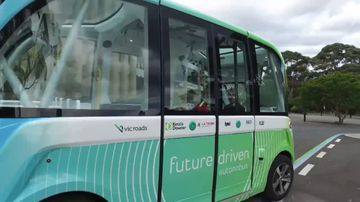 Uni students set to be driven to lectures in driverless bus