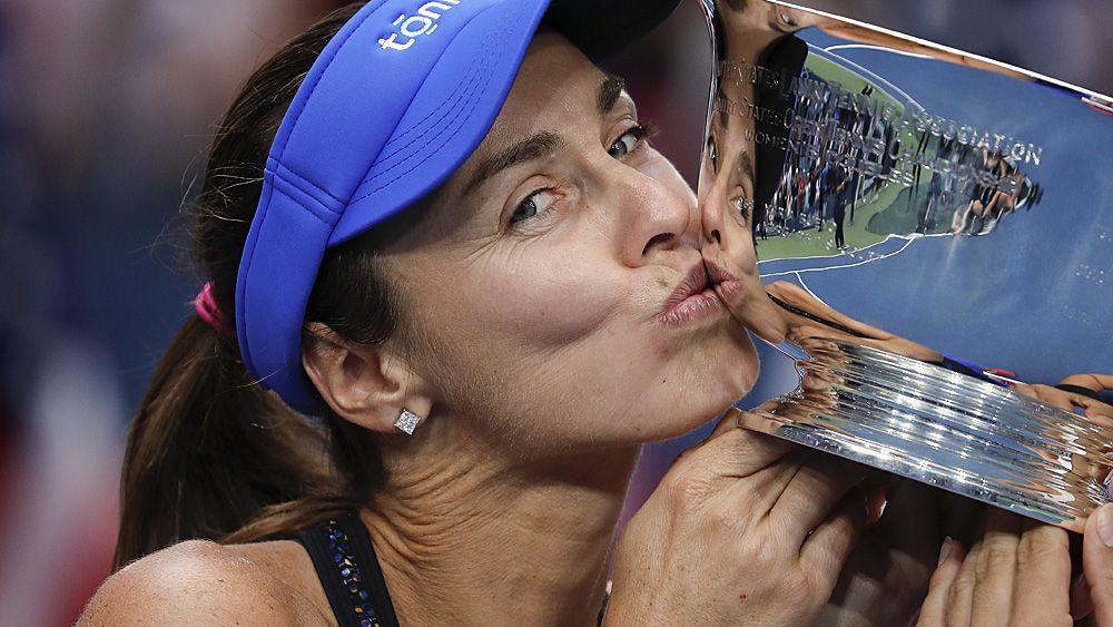 Tennis: Martina Hingis announces her retirement, again