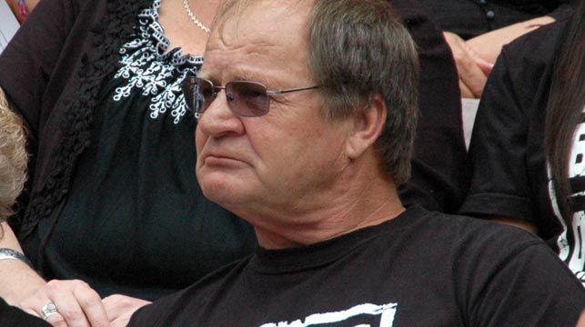 Tommy Raudonikis lashes Tim Simona over betting scandal