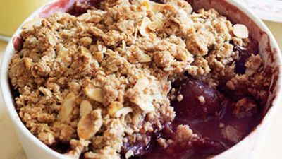 "Recipe:&nbsp;<a href=""http://kitchen.nine.com.au/2016/05/17/12/09/maple-plum-crumble"" target=""_top"">Maple plum crumble</a>"