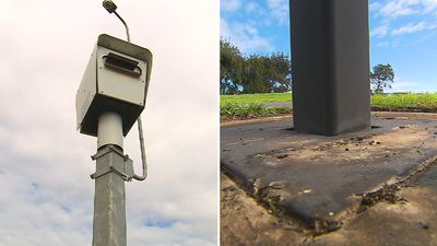 Police hunting arsonist who tried torching speed camera