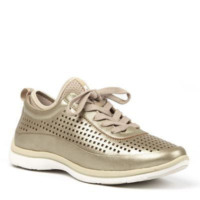"<a href=""https://www.dianaferrari.com.au/TANDEM-LACE-UP-SNEAKER-Platinum-298455.aspx"" target=""_blank"">Diana Ferrari Tandem Lace Up Sneaker, $139.95.</a><br>"