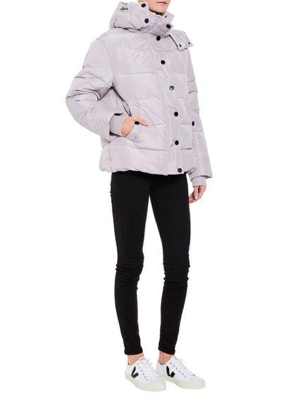"""<a href=""""https://www.tuchuzy.com/shop/outerwear/harris-long-puffer-j-grey-chosen-by-tuchuzy-cho-ss18j039g"""" target=""""_blank"""" title=""""Chosen Harris Long Puffer Jacket in Grey, $159"""" draggable=""""false"""">Chosen Harris Long Puffer Jacket in Grey, $159</a>"""